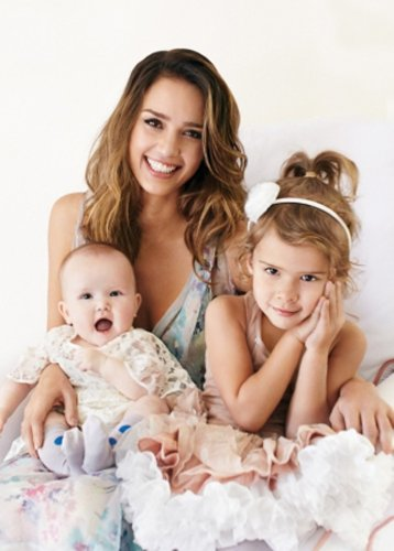 Jessica-Alba-Talks-Motherhood-with-Parenting-Magazine-April-2012-7