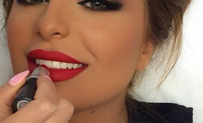 My lips get chapped when i wear lipstick